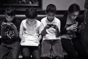 4 kids, 4 devices = good maths